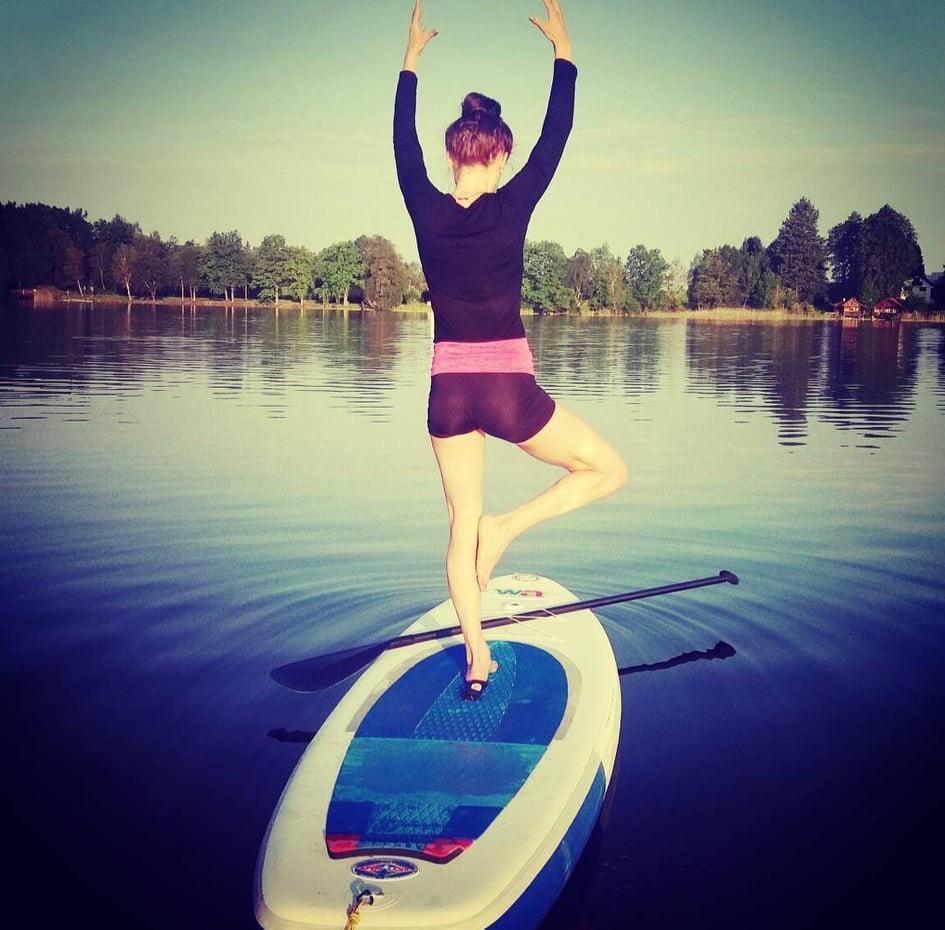 ISYA SUP Yoga instructor